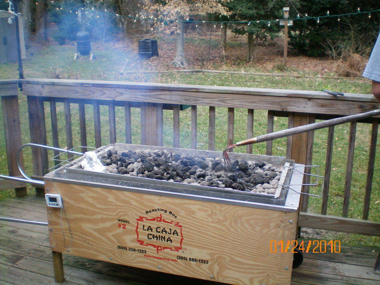 Pig Roast With The La Caja China Tkd Recipes Men In The Kitchen